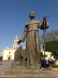 Fray Antonio Margil de Jesús, escultura de Alberto Pérez Soria.jpg