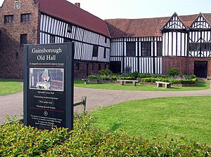 Gainsborough Old Hall - Image: Gainsborough Old Hall west wing and great hall