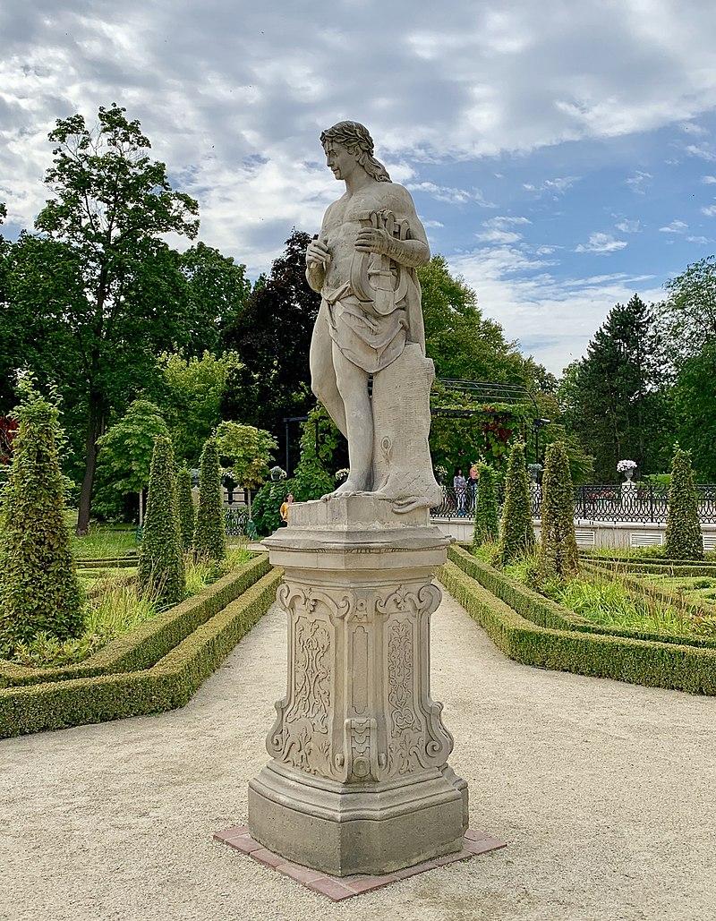 Garden sculptures of the Wilanów Palace, Poland 11.jpg