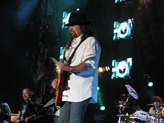 Gary Rossington - Gary Rossington performing in 2008