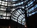 Gewölbtes Glasdach Hanse-Viertel Hamburg.jpg