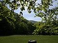 Gloriette a kisvasúttal - panoramio.jpg