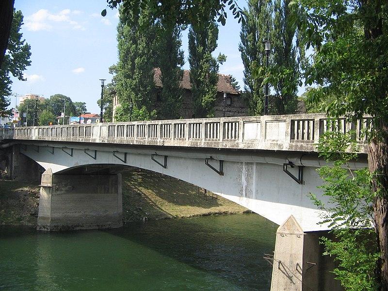File:Gradski most u Banjaluci.jpg