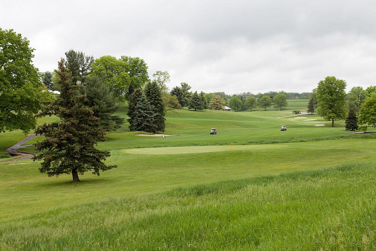 Island Hills Golf Club Sayville Closing