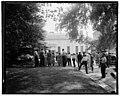 Group at White House, Washington, D.C. LCCN2016876161.jpg