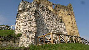 Guildford Castle - The ruins of the shell keep in front of the later tower keep