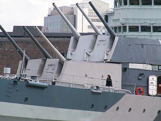 BL 6 inch Mk XXIII naval gun - Image: HMS Belfast 3 db