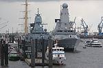 HMS Defender (D36) hamburg landungsbrücken.jpg