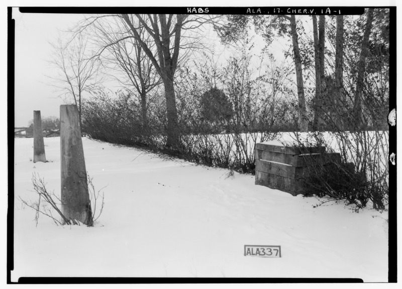File:HORSE STILE BLOCK + HITCHING POSTS IN FRONT OF HOUSE - Cunningham Plantation, Old Memphis Road (Gaines Trace Road), HABS ALA,17-CHER.V,1-26.tif