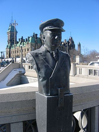 Robert Hampton Gray - Hampton Gray bust at Valiants Memorial, Ottawa
