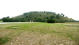 Chinese pyramids - The tumulus mound covering the tomb of Emperor Jing of Han  (r. 156–141 BCE), located outside of Xi'an