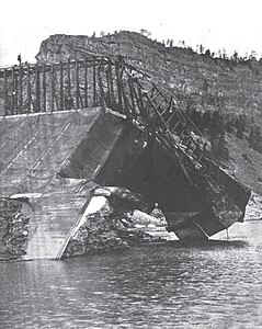Hauser Dam - 1908 - West end.jpg
