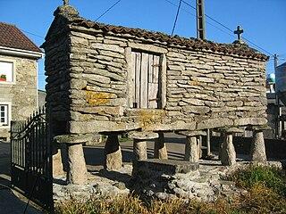 320px-Horreos_Galician_granaries.jpg