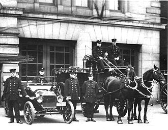 Toronto Fire Services - Transition from horse drawn to motorized vehicles