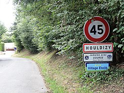 Houldizy (Ardennes) city limit sign.JPG