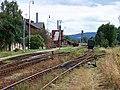 Hronov, nádraží, přes kolejiště (01).jpg