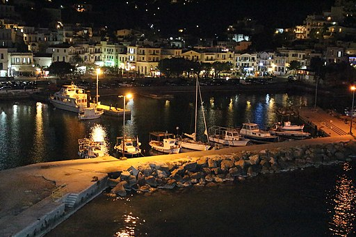 512px-Ikaria_Island_at_the_night.JPG (512×341)