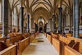 Interior of Temple Church, London641.jpg