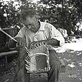 Ivan Sever, Budanje, plete iz leskovih viter naroč?n koš - majhen, za otroke 1958 (2).jpg
