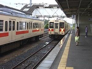 Wakayama Line - A 105 series EMU on the Wakayama Line