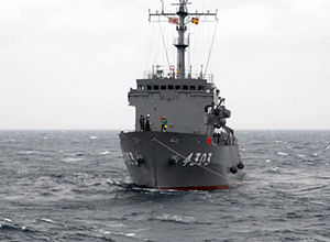 JS Amakusa in a towing exercise in the Pacific, -15 Mar. 2007 a.jpg