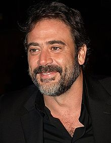 Jeffrey Dean Morgan interprète Joe.