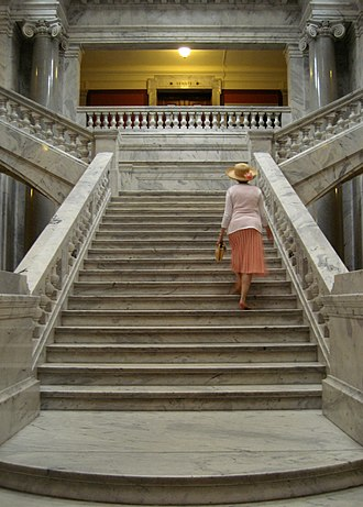 Kentucky State Capitol - Kentucky state capitol marble staircase