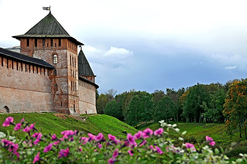 File:Kremlin of Novgorod, 2009.jpg