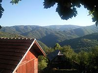 Krivi Del, pogled na dolinu Vlasine.jpeg