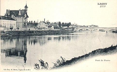 L2011 - Lagny-sur-Marne - Pont de Pierre.jpg