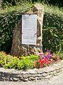 La Chapelle-en-Vexin (95), monument aux morts, au carrefour rue de Ducourt - rue des Tilleuls.jpg