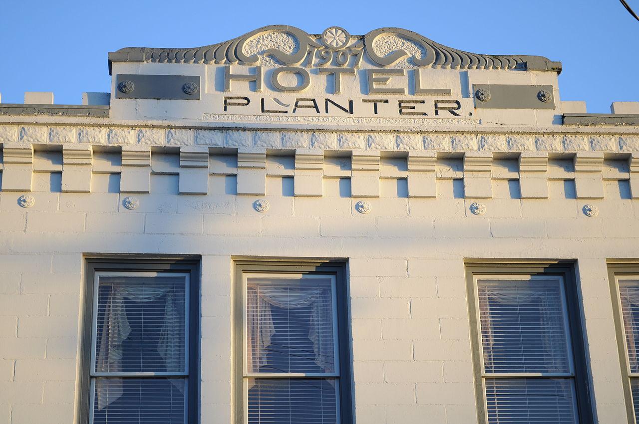 File La Conner Wa Hotel Planter Sign Jpg