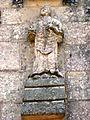 La Houssaye (Eure, Fr) église Saint-Aignan, statue de façade 02.JPG