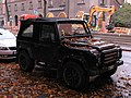 Land Rover Defender-Stockholm (30063374744).jpg
