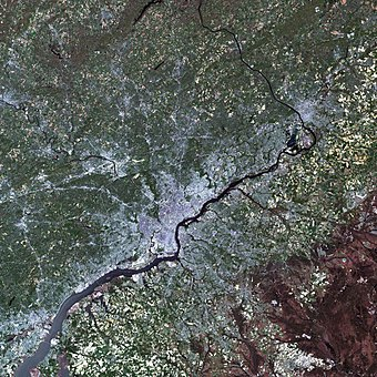 Landsat simulated-color image of Philadelphia and the Delaware River Large Philadelphia Landsat.jpg