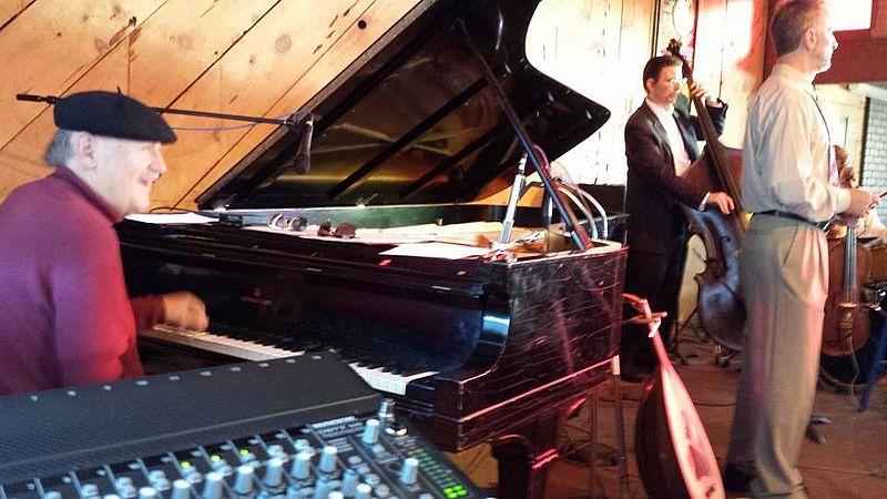 File:Larry Vuckovich with Eric & Doug @ Bach Dancing & Dynamite Society (Pete Douglas Beach House), Half Moon Bay (Miramar), CA, 2013-09-29.jpg