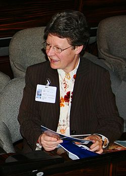 Jocelyn Bell vid Internationella astronomiårets möte i Paris 2009.
