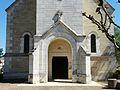 Le Pizou église porche (1).JPG