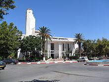مدينة جيجل الجزائرية 220px-Le_Si%C3%A8ge_de_la_Mairie_de_Jijel_%C3%A0_la_Wilaya_de_Jijel_Alg%C3%A9rie