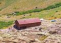 Le refuge de Ciuttulu vu depuis le Col des Maures.jpg
