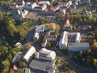 Letecký snímek náměstí ve Varnsdorfu.jpg