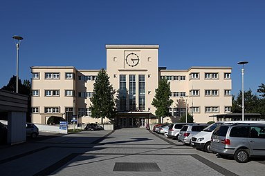 Linz Parkbad 2013.jpg