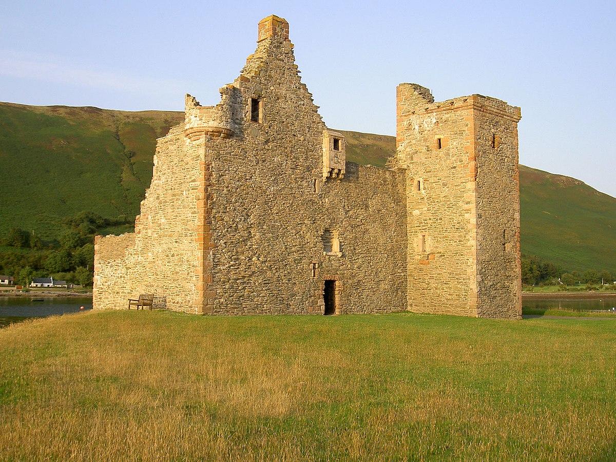 Lochranza Castle - Wikipedia
