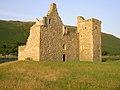 Lochranza castle sunny.JPG