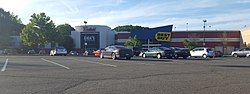 Lord & Taylor Dicks Best Buy - Meriden Mall Meriden, CT June 2016 (29065314480).jpg