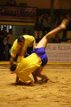 Lucha Canaria 001.jpg