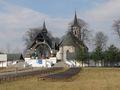 Ludźmierz - sanktuarium - kościół i ołtarz polowy.jpg