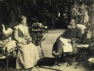 Rolighed (Skodsborg) - Ludvig Jens Grøn with his family at Rolighed in August 1902