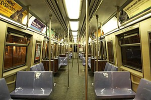 R44 (New York City Subway car) - Image: MTA Staten Island Railway St. Louis Car R44 389 interior