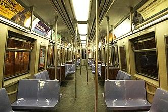 R44 (New York City Subway car) - Image: MTA Staten Island Railway St. Louis Car R44 389 interior